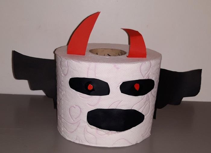 WC rol Halloween
