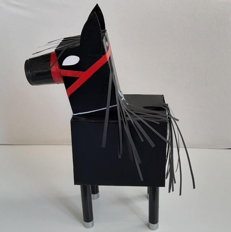 Zwart / Fries Paard
